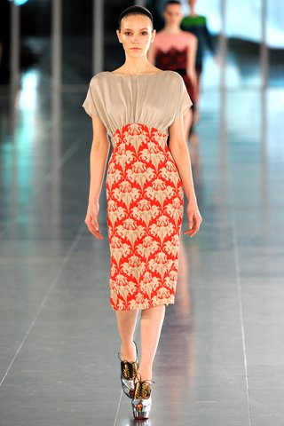 images/cast/00000496945337034=my job on fabrics x=j.sauders - Fall 2011 show -